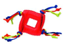 Hračka DOG FANTASY čtverec s provázky gumový červený 20 cm